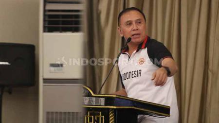 Calon Ketua Umum PSSI, Mochamad Iriawan atau Iwan Bule saat berpidato. - INDOSPORT