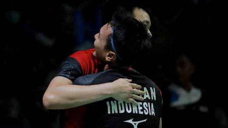 Kekalahan pasangan Li Junhui/Liu Yuchen di semifinal Kejuaraan Dunia Bulutangkis 2019 menjadi berkah untuk pasangan Mohammad Ahsan/Hendra Setiawan, kok bisa? - INDOSPORT