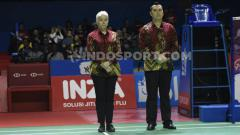 Indosport - Iris Metspalu jadi salah satu wasit yang mengenakan batik di Indonesia Open 2019.