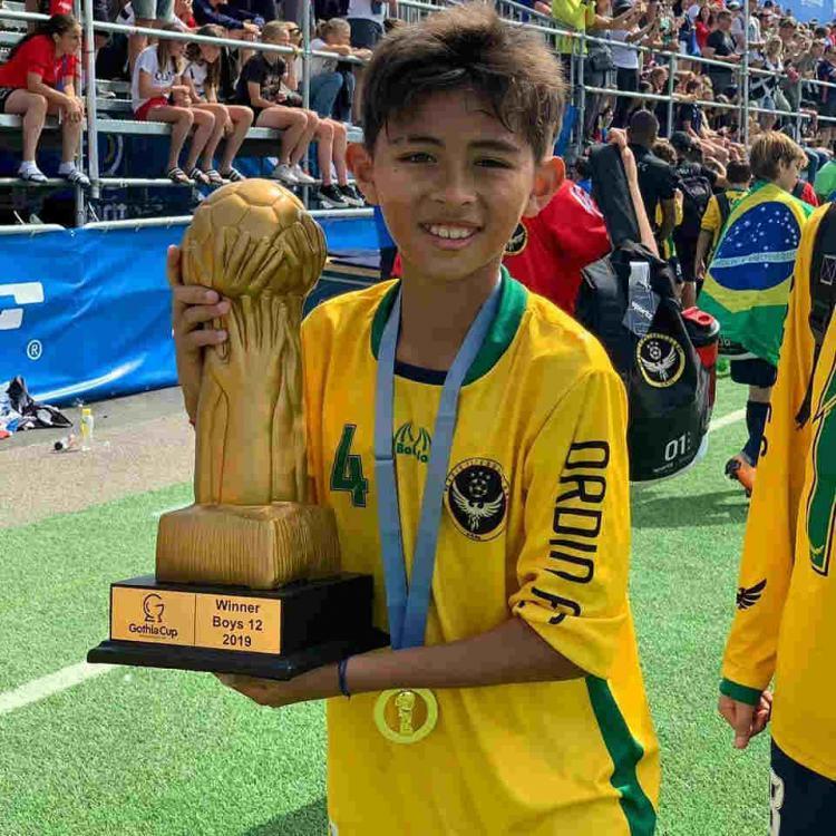 Welberlieskott de Halim Jardim saat meraih gelar Gothia Cup 2019 bersama tim Brasil Copyright: Instagram/welberchinaofficial/