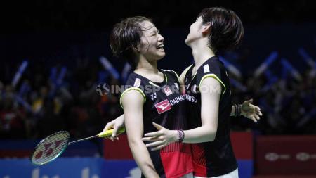 Pasangan Yuki Fukushima/Sayaka Hirota memastikan tiket ke final Denmark Open 2020 usai mengalahkan pasangan Christine Busch/Amalie Schulz pada Sabtu (17/10/20). - INDOSPORT