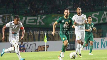 Damian Lizio resmi berlabuh ke klub kasta tertinggi Liga Bolivia bernama Royal Pari FC setelah pergi dari Persebaya Surabaya pada September 2019 lalu. - INDOSPORT