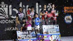 Indosport - Kevin Sanjaya/Marcus Gideon berhasil menjadi juara sektor ganda putra setelah mengalahkan ganda putra Indonesia Mohammad Ahsan/Hendra Setiawan pada babak final Indonesia Open 2019, Minggu (21/07/19). Foto: Herry Ibrahim/INDOSPORT