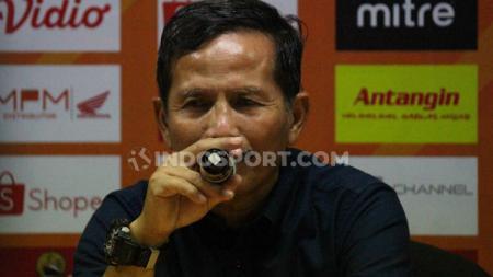 Djadjang Nurdjaman, pelatih Persebaya Surabaya - INDOSPORT