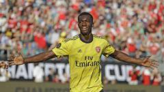 Indosport - Eddie Nketia dipastikan akan kembali ke Arsenal usai masa peminjamannya di cabut dari Leeds United