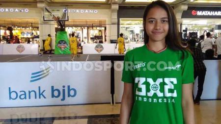 Pebasket putri Indonesia yang ikut di Piala Dunia Basket 3x3, Dewa Ayu Made Sriartha Kusuma saat ditemui di IBL Gojek 3x3 seri Yogyakarta, Minggu (21-07-19) di Jogja City Mall. - INDOSPORT