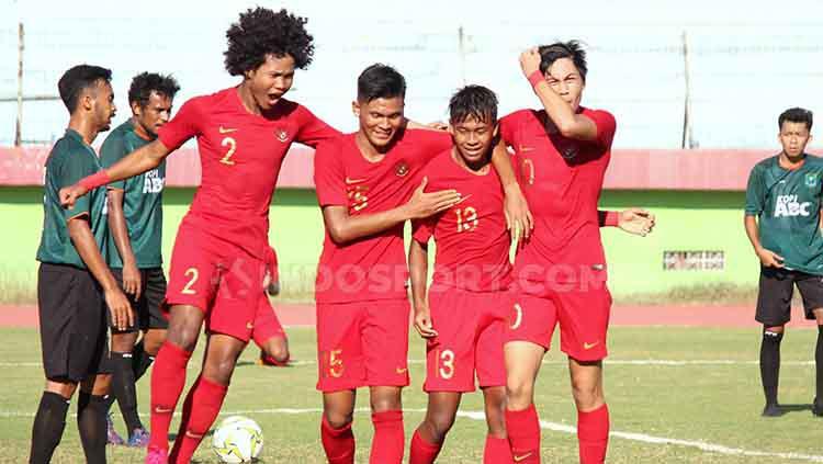 Dari Kiri Ke Kanan, Bagus Kahfi, Sutan Zico, M Supriadi dan Rendi Juliansyah. Keempat pemain itu merupakan eks Timnas Indonesia U-16 2018. Fakhri Husaini siap ikuti Piala AFF U-19. Copyright: Fitra Herdian/INDOSPORT