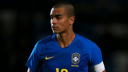 Raul Gonzalez mengakut tak tahu rumor Real Madrid sepakat mendatangkan bek muda Brasil dari tim Flamengo, Reinier Jesus Carvalho - INDOSPORT