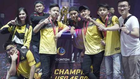 Tim wakil Indonesia, ONIC Esports, saat berhasil meraih juara MSC 2019 lalu. - INDOSPORT