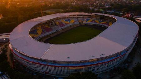 Kemegahan Stadion Manahan Solo mendapat pujian dari Presiden Joko Widodo. - INDOSPORT