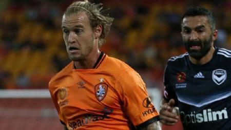 Pemain asal Australia, Jacob Pepper (kiri), diisukan gabung ke klub Madura United. - INDOSPORT