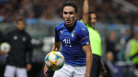 Federico Chiesa menjadi salah satu bintang muda Italia yang diincar dua klub Serie A, yakni Inter Milan dan Juventus. - INDOSPORT