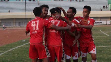 Aksi selebrasi pemain Persis Solo di Liga 2 2019. - INDOSPORT