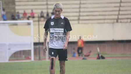 Gelandang asal Korea Selatan, Oh In-kyun akhirnya membeberkan jika dirinya sudah tak lagi memperkuat Persipura Jayapura untuk kompetisi Liga 1 2020. - INDOSPORT