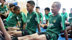 Indosport - Skuat Timnas U-16 saat menjalani latihan sebelum Piala AFF. Foto: PSSI