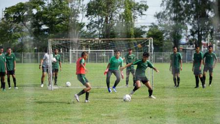 Suasana latihan Timnas Indonesia U-15 di Piala AFF U-15 2019. - INDOSPORT