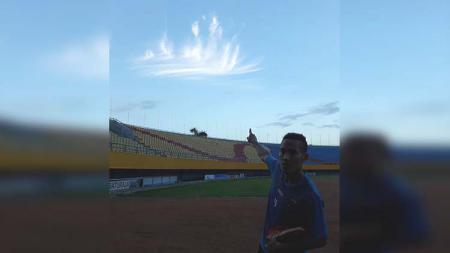 Penampakan lafaz Allah muncul di langit tempat latihan Sriwijaya FC - INDOSPORT