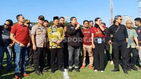 CEO PSM Makassar, Munafri Arifuddin saat memberi pernyataan terkait penundaan laga final leg kedua Piala Indonesia 2019. - INDOSPORT
