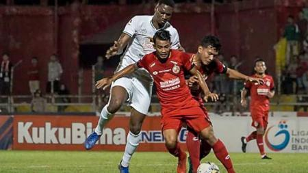 Laga Shopee Liga 1 antara Semen Padang vs Persebaya, Minggu (28/07/19). - INDOSPORT