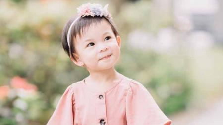 Nastusha Olivia Alinskie anak pasangan Glenn Alinskie dan Chelsea Olivia. - INDOSPORT
