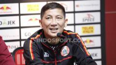 Indosport - Bos Persija Jakarta, Ferry Paulus, membeberkan soal kick-off Liga 1 2020.