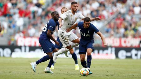 Winger Real Madrid, Eden Hazard, mendapat panggilan dari Timnas Belgia untuk laga Kualifikasi Euro 2020 meskipun belum pulih dari cedera. - INDOSPORT