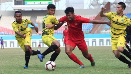 Momen internal game Timnas Indonesia U-19 melawan Persikasi. Foto: Sumargo Pangestu - INDOSPORT