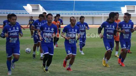 PSIM Yogyakarta kembali berlatih di Stadion Mandala Krida setelah 3 tahun mengungsi. Foto: Ronald Seger Prabowo/INDOSPORT - INDOSPORT