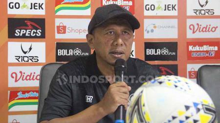 Rahmad Darmawan saat hadiri sesi konferensi pers sebelum pertandingan. - INDOSPORT