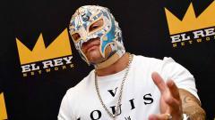 Indosport - Rey Mysterio menghadiri sebuah acara di Chicago, Amerika Serikat.