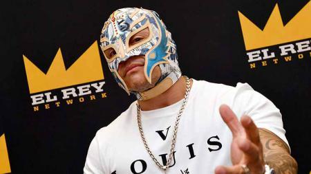 Rey Mysterio menghadiri sebuah acara di Chicago, Amerika Serikat. - INDOSPORT