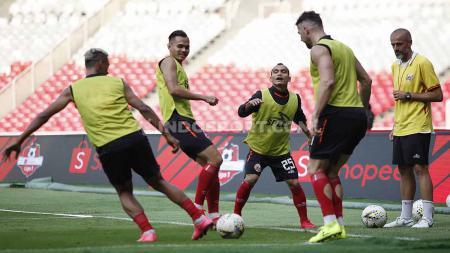 Official Training tim Persija Jakarta jelang laga Liga 1 melawan Arema FC di Stadion GBK Senayan, Jakarta, Jumat (02/08/8/19). Foto: Herry Ibrahim/INDOSPORT - INDOSPORT