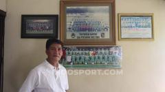 Indosport - Freddy Muli saat ditemui di rumahnya, Jalan Yos Sudarso, Sidoarjo, Sabtu (3/8/19).
