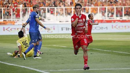 Selebrasi Novri Setiawan usai mencetak gol dalam laga Persija vs Arema FC di SUGBK, Senayan pada pekan ke-12 Liga 1 2019, Sabtu (03/08/19). - INDOSPORT
