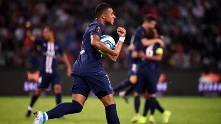 Selebrasi gol Kylian Mbappe kala mencetak gol pada laga Paris Saint-Germain (PSG) vs Rennes di final Piala Super Prancis, Sabtu (03/08/19). - INDOSPORT