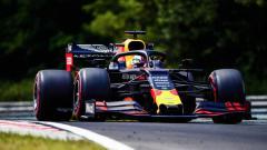 Indosport - Pembalap Red Bull Max Versttappen di Formula 1 2019.