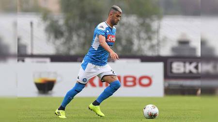 AC Milan membidik bek kanan Napoli, Elseid Hysaj, yang bisa diboyong gratis akhir musim nanti, guna menggantikan Diogo Dalot yang harus pulang ke Manchester United. - INDOSPORT