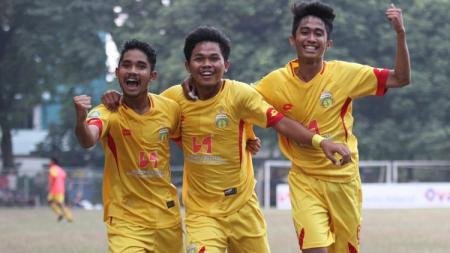 Selebrasi gol pemain Bhayangkara FC U-20. - INDOSPORT