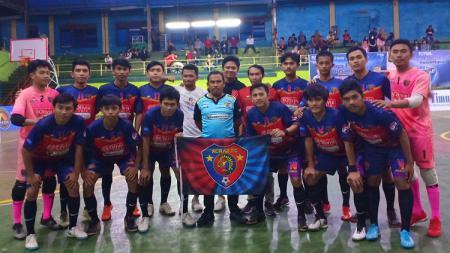 Acrab FC Sinjai merayakan gelar juara Liga Futsal Nusantara Sulawesi Selatan (LFN Sulsel) 2019. - INDOSPORT