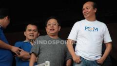 Indosport - CEO PSIM Yogyakarta, Bambang Susanto bersama Owner Bali United, Peter Tanuri di Stadion I Wayan Dipta. Foto: Nofik Lukman Hakim