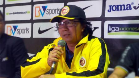 Andi Santoso, mantan pelatih Sriwijaya FC U-21 yang kini menangani Timnas Timor Leste U-18 di Piala AFF U-18 2019 - INDOSPORT