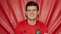 Indosport - Harry Maguire resmi gabung Man United.