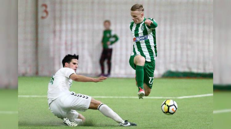 Calon pemain asing Madura United, Ante Bakmaz (jersey putih). Copyright: twitter.com/antsbakmaz