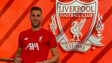 Adrian San Miguel resmi bergabung dengan Liverpool - INDOSPORT
