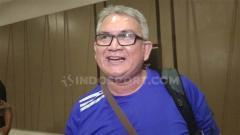 Indosport - Ketua Umum Jakmania, Ferry Indrasjarief, secara tegas menyatakan sikap tidak ikut dalam ajakan berdemo di DPR menolak RUU KUHP dan sejumlah rancangan undang-undang.