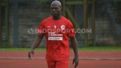 Indosport - Bek naturalisasi Sriwijaya FC Bruno Casimir resmi pamit dan mundur dari Laskar Wong Kito.