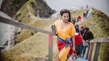 Gila! Feni Rose Pamer Pose Yoga Menantang saat di Bali