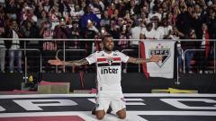 Indosport - Dani Alves resmi menjadi pemain Sao Paulo