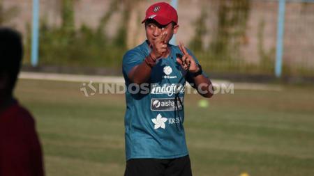 Yogi Nugraha, pelatih fisik Bali United. - INDOSPORT