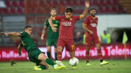 AS Roma dikabarkan membatalkan kesepakatan dengan Napoli untuk memasukkan Cengiz Under dalam formula transfer Arkadiusz Milik. - INDOSPORT